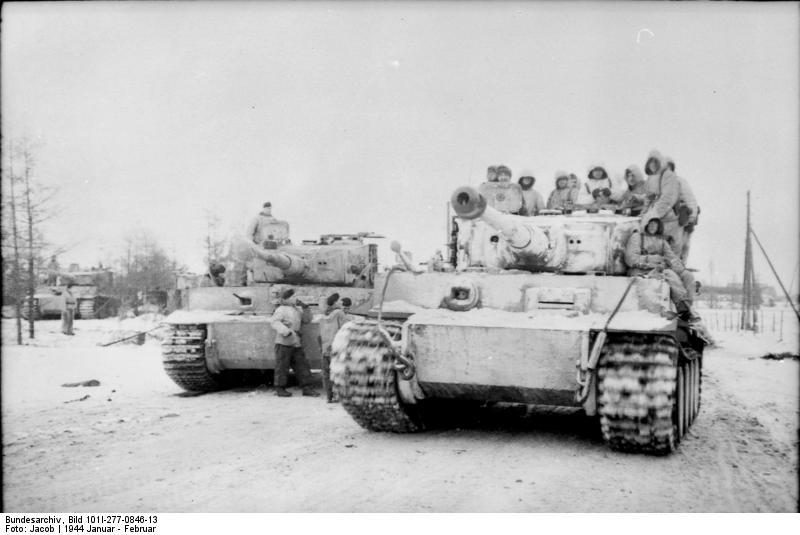 Tigers-bundesarchiv_bild_101i-277-0846-13-_russland-_panzer_vi_-tiger_i-.jpg