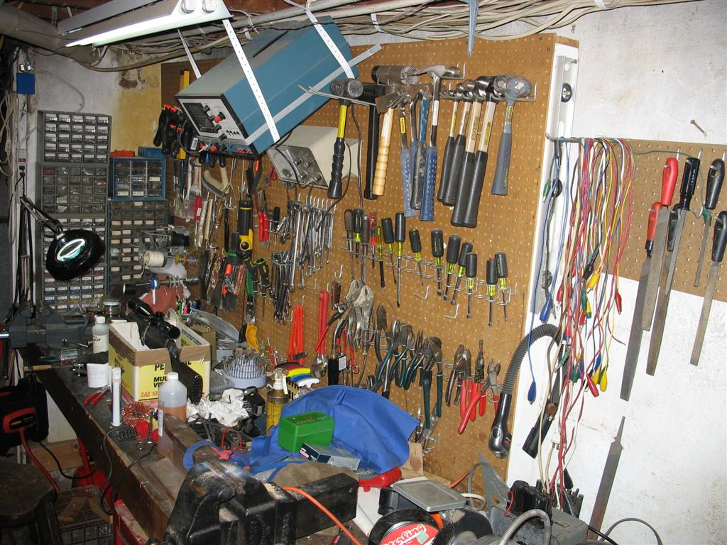 The most cluttered work bench-img_0127-large-.jpg