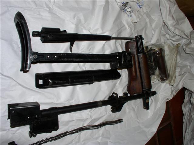 CFS 9 Polish kits-p1010206-small-.jpg